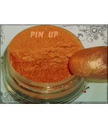 Pinup_thumbtall