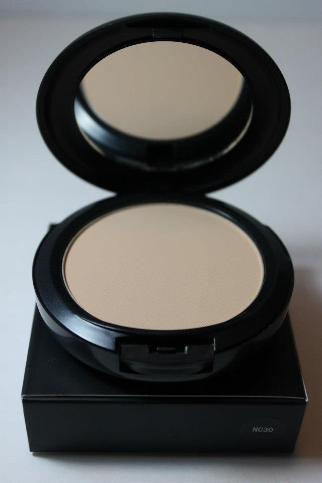 MAC Studio Fix Powder Plus Foundation- NC30 100% Authentic