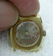 LLOYD 17 JEWEL INCABLOC SWISS 18 K GOLD WATCH # 25794