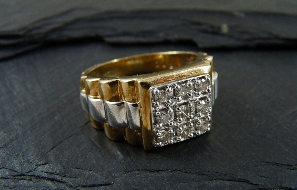 Gents 9ct Gold Diamond Grid Ring - UK Size U