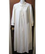 Vanity Fair Zip Front Dressing Robe Cream Size ... - $16.99
