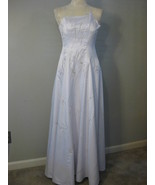 Formal White And Silver Embroidered Gown Size S... - $75.00