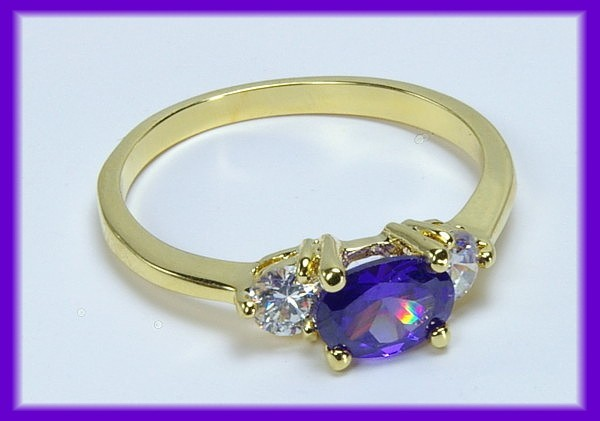 CZ AMETHYST Ring Accent CZs   GOLD   SZ 5   Beautiful