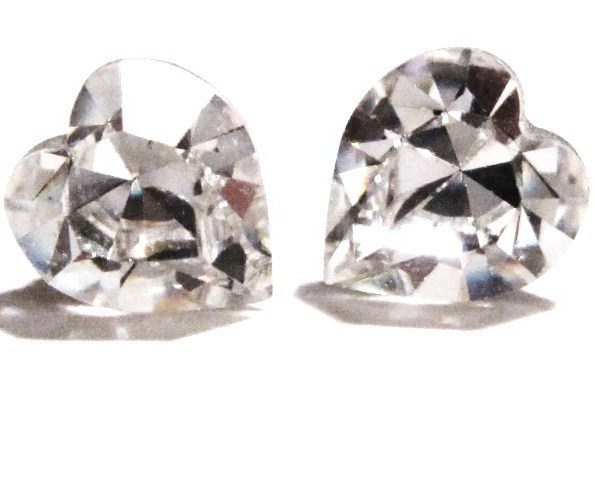 Sparkling Mutl-Faceted Clear Swarovski Crystal HEART Stud Post Earrings EA313