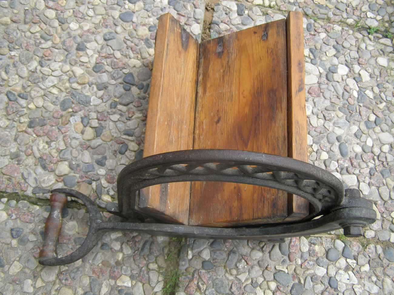 Tobacco cutter cast iron and wood primitives