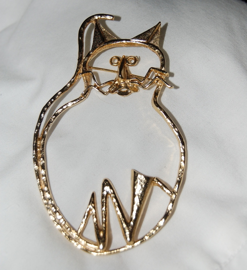 Cat Pin Large Outline Gold Tone Fun Brooch Fat Cat