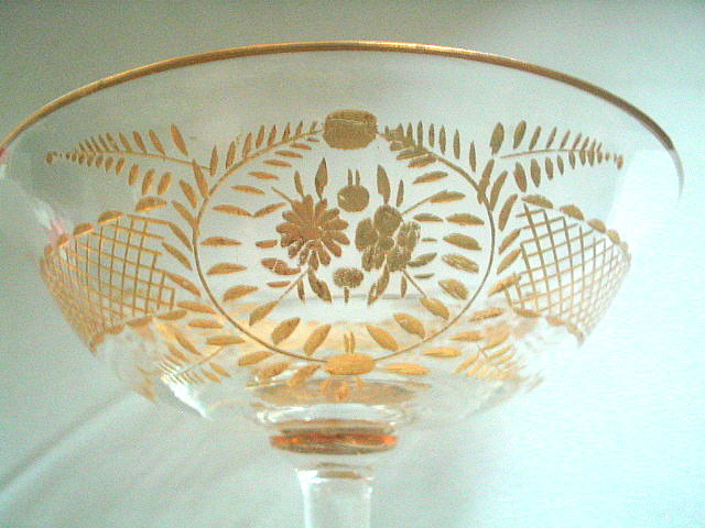 Antique_gold_trimmed_champagne_glass_009