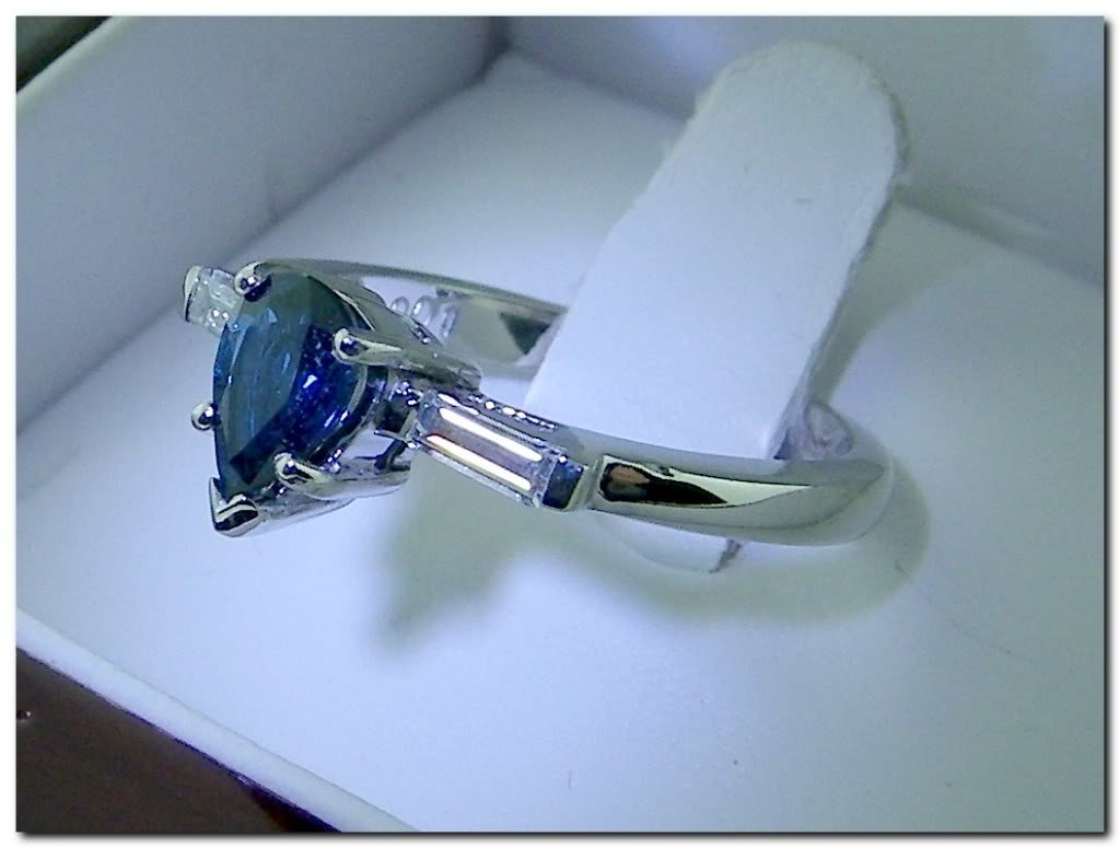 Pearsapphire18k