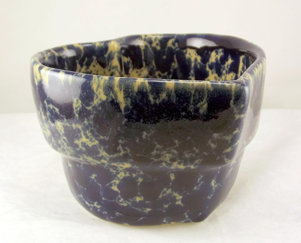 Bennington_pottery_blue_agate_heart_bowl_4