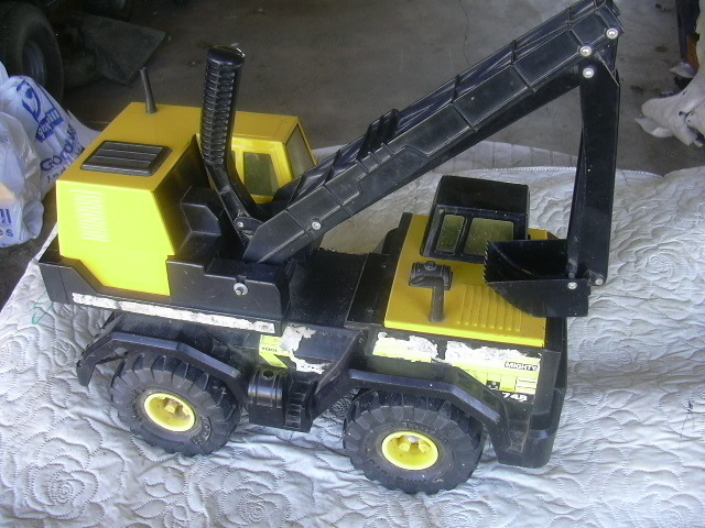 "Tonka Mighty Backhoe Excavator Truck #748 Big 17"" long"