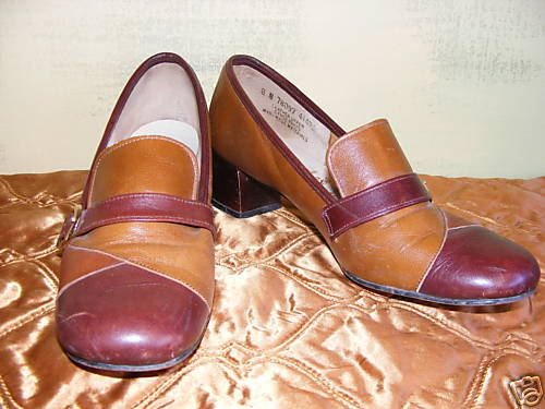 Vintage Hush Puppies Leather Chunky Heels Buckles 8 N
