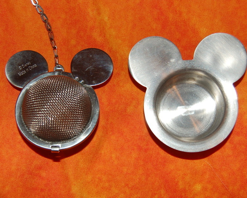 Mickey_mouse_disney_tea_strainer