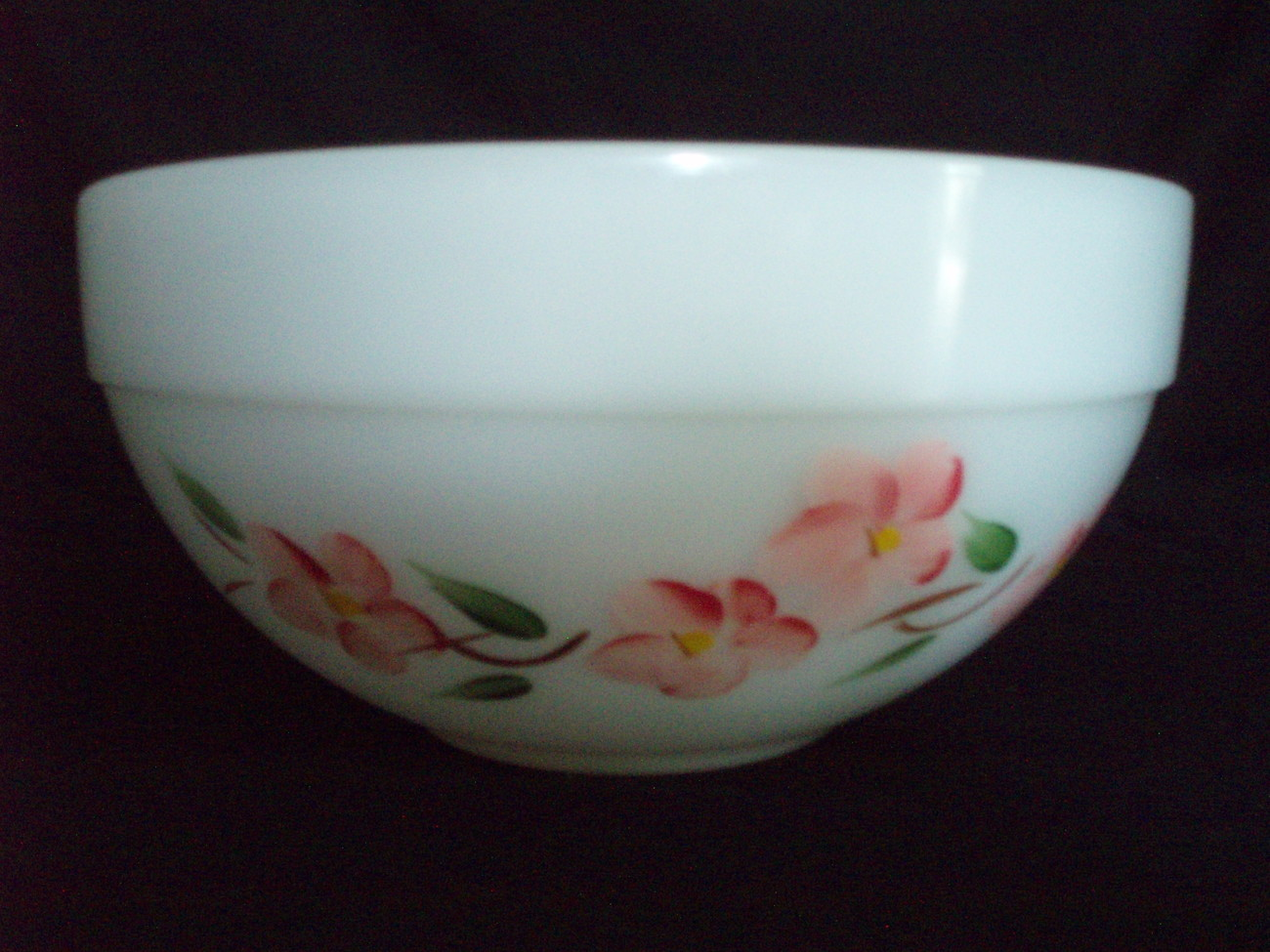 A-H Fire King Pyrex 8.5 Bowl Peach Blossom Gay Fad