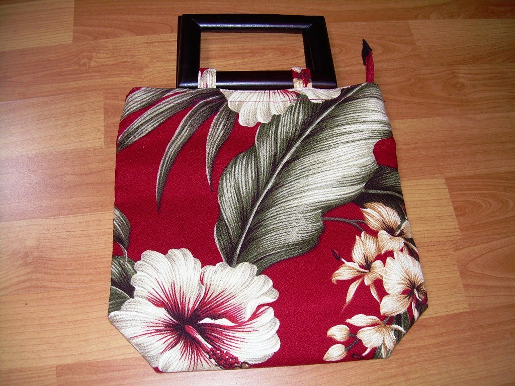 Hawaiian Handbag with KOA wood handles *Never been used*