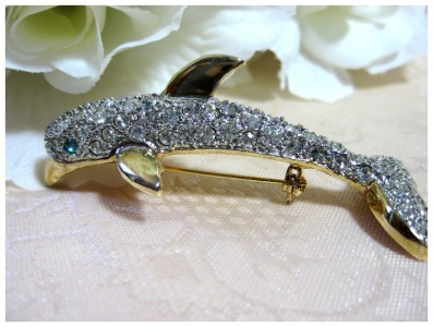 Gold Tone Rhinestone Dolphin Brooch/Pin