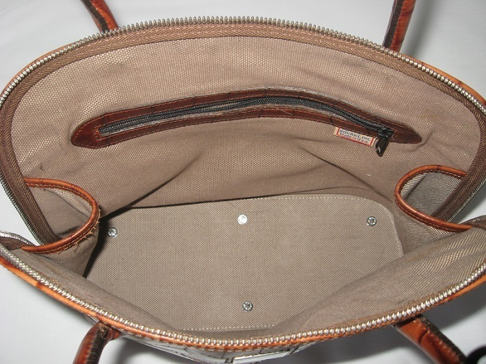 Dooney_and_bourke_handbag_purse_satchel_tote