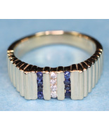 Gold_sapphire_and_diamond_ridged_ring_1_thumbtall