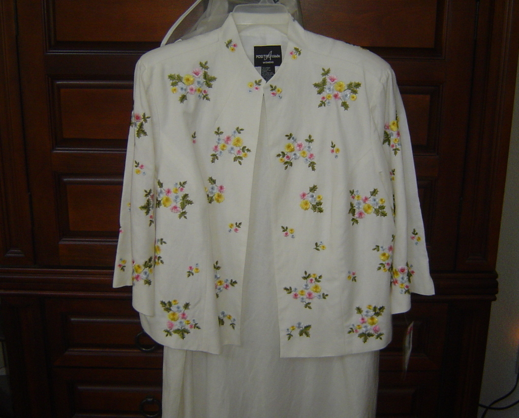 Women's plus size 22 dress, 2 piece NWT Floral Embroidered Jacket