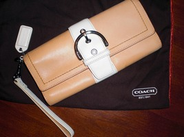 Small Cream COACH Clutch! Great for Summer!  - :  leather purse coach clutch