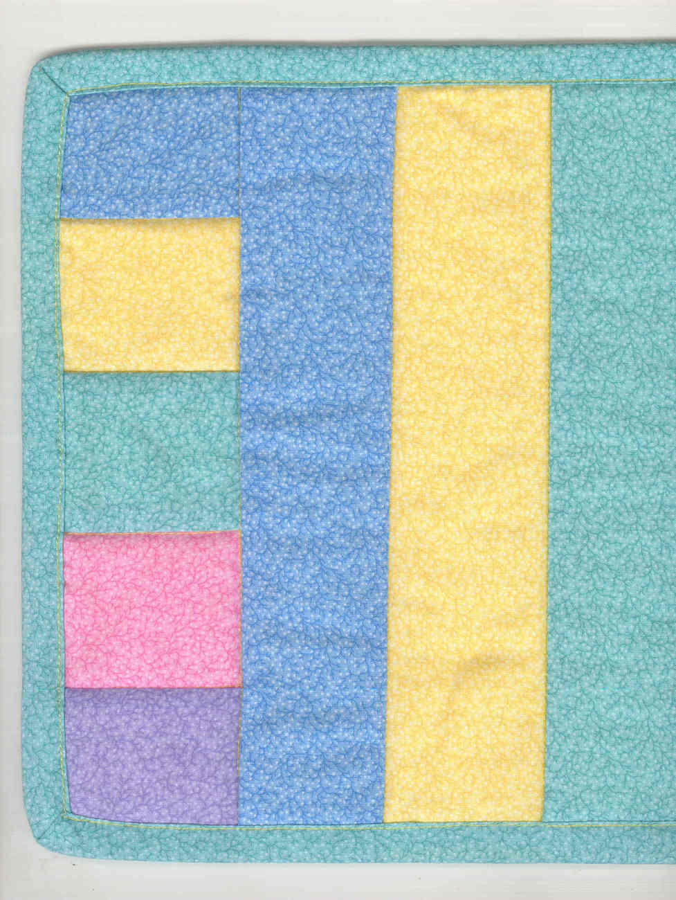 Perfect_pastel_candle_mat_corner