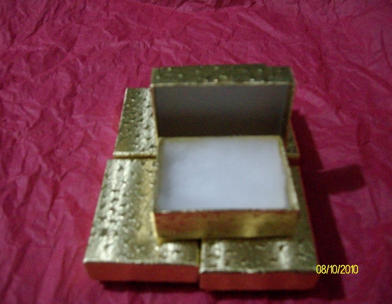 Pendant or Charm Boxes,   Gold  ( 6 )