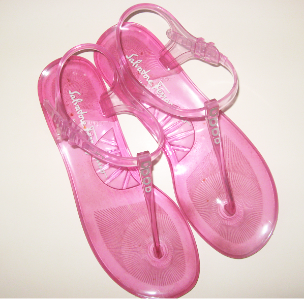 Salvatore_ferragamo_sandals__thong_pink