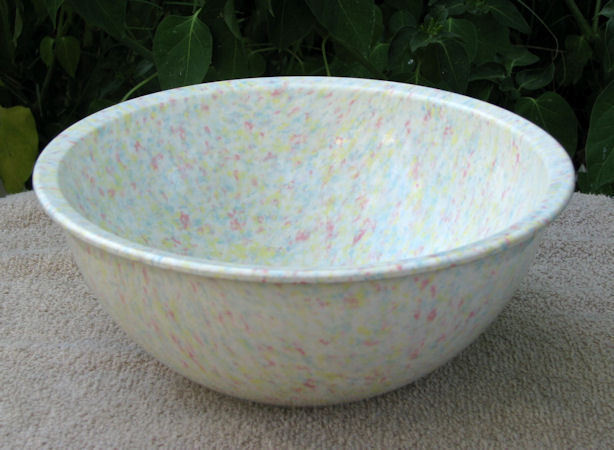 Brookpark Melmac Confetti Spatter Medium Mixing Bowl