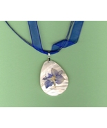 Artisian Pressed Flower on Shell pendant on Voi... - $3.00