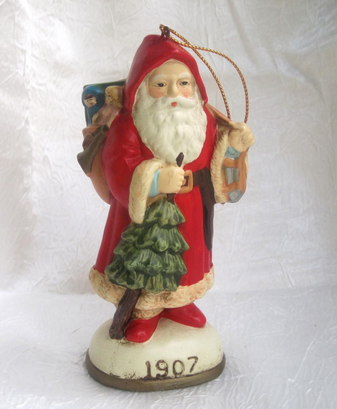 Christmas reproductions santa claus figurine ornament