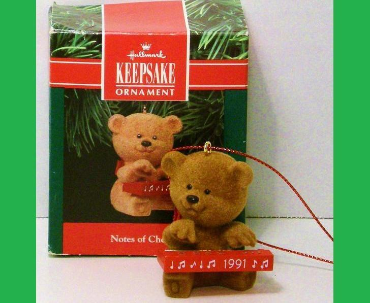 Notes of Cheer Hallmark Keepsake ornament fuzzy bear 1991