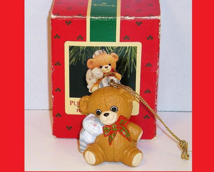Purrfect Snuggle Hallmark Keepsake Ornament  bear cat 1988