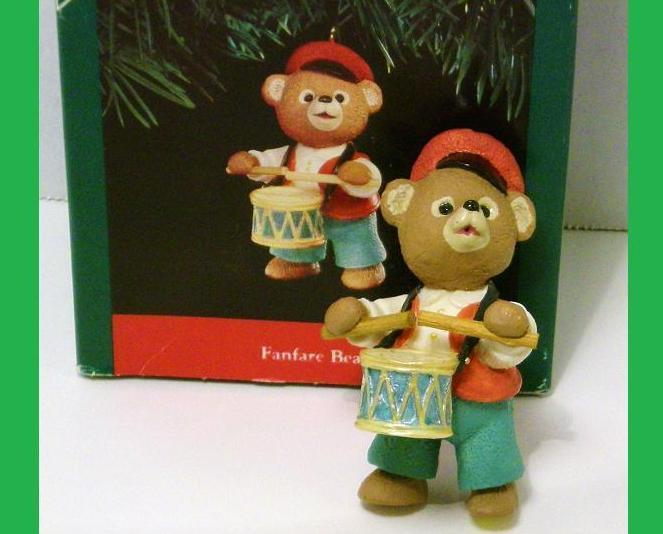 Fanfare Bear Hallmark Keepsake Tender Touches drummer 1991