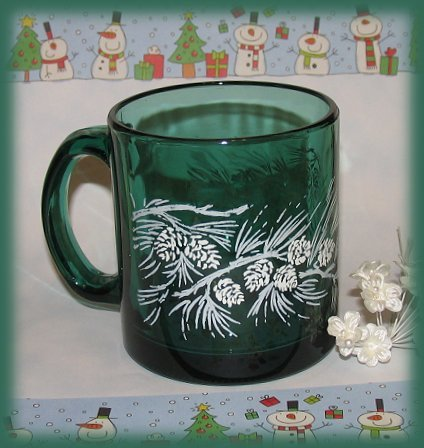 Xmas-cup-green-pinecones-side2