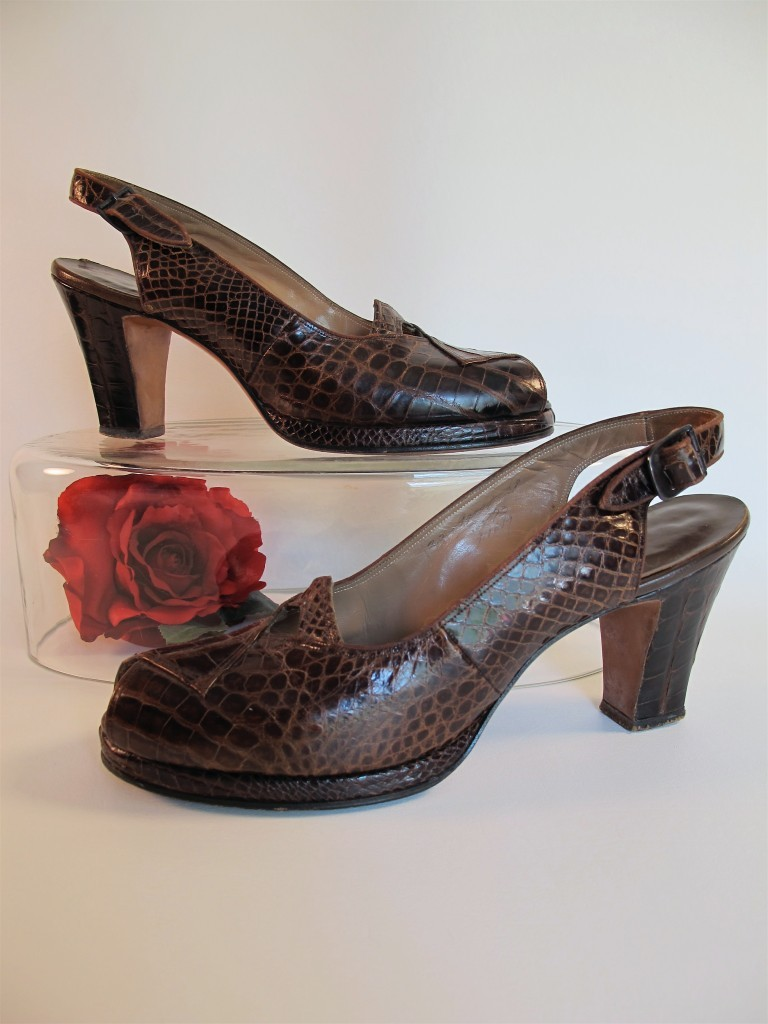 VTG 1940s BROWN CROC LEATHER PLATFORM SHOES PEEP TOE 7 7.5