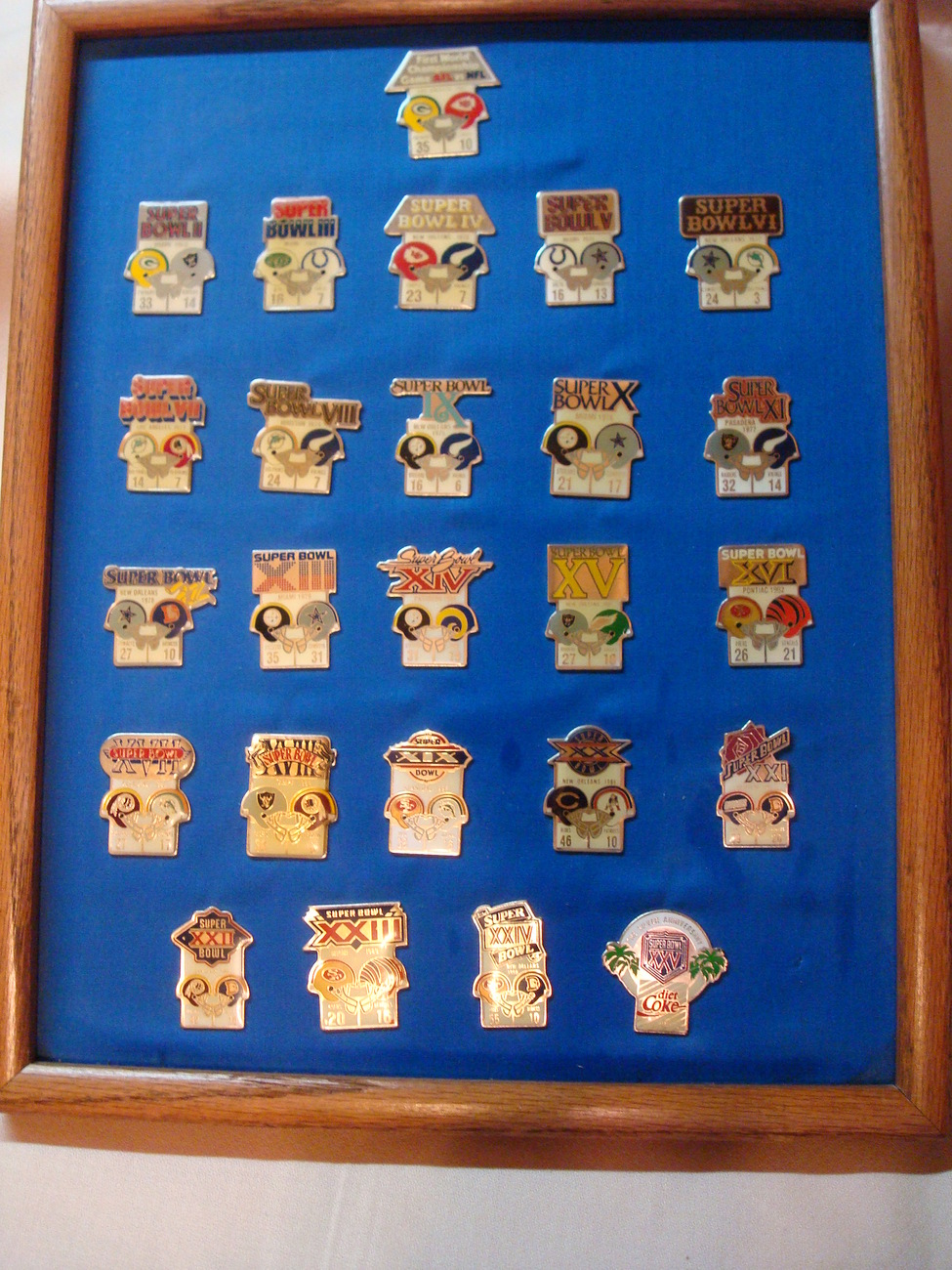 Super Bowl NFL Pin Collection National Football League Framed 1 thru 25 Pins