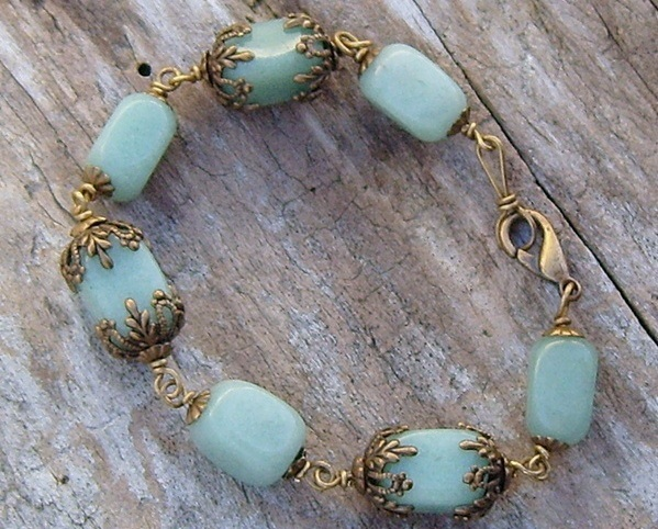 Antique_brass_and_amazonite_bead_bracelet.1
