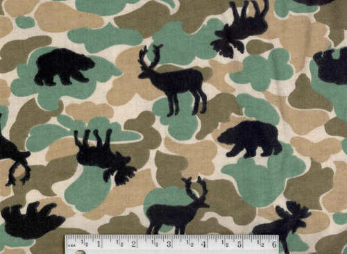 Moose And Bear Fabric http://www.bonanza.com/listings/Green-Camo-Flannel-FQ-moose-bear-quilt-fabric-quilt/19235653