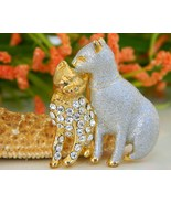 Vintage Two Cats Brooch Pin Silver Enamel Gold ... - $18.95