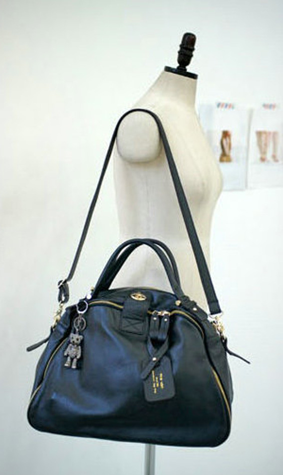 Leather_bag_korean_tote_black_hang