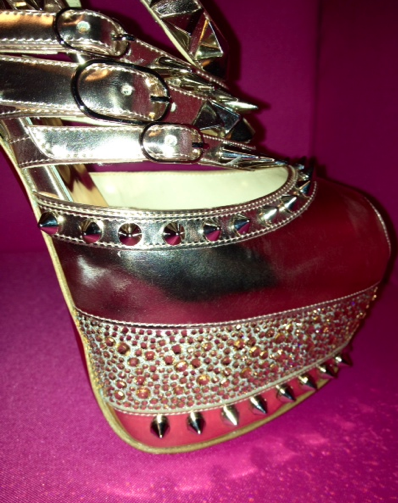 NIB Christian Louboutin ISOLDE gold Spiked Shoes RODARTE: 38.5, 39