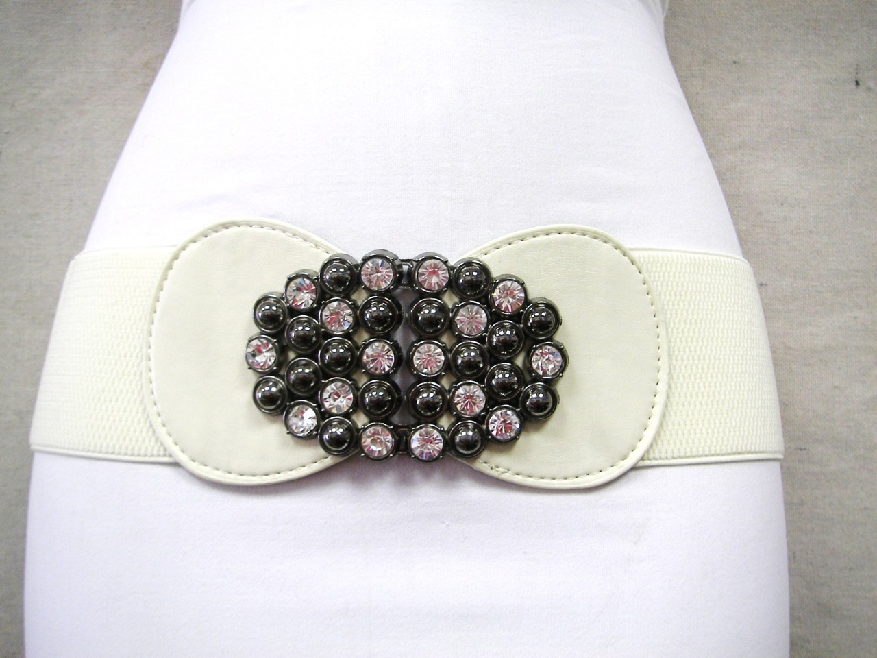 "WOMEN CREAM WAIST ELASTIC BELT W A FLOWER MARBLES AND RHINESTONES BUCKLE 31""-46"""