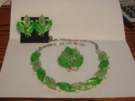 Lisner Leaf Parure Necklace Earrings Brooch Green - $75.00