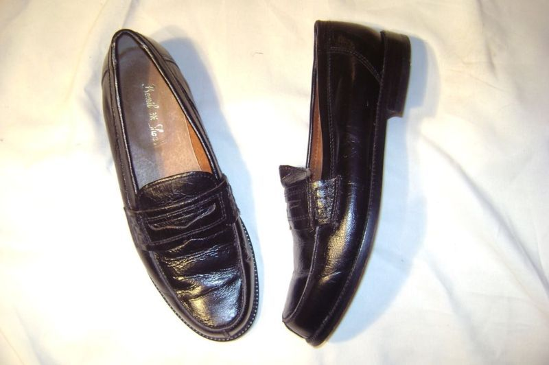"""Benil "" Shoes size 9 Euro 43..Black leather loafer"