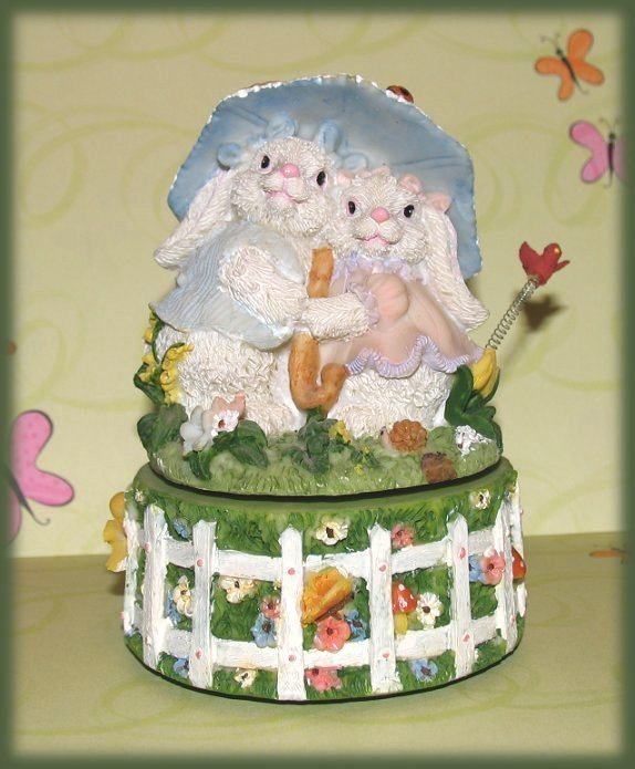 Music Box Bunny Rabbits Garden Easter Parade NIB