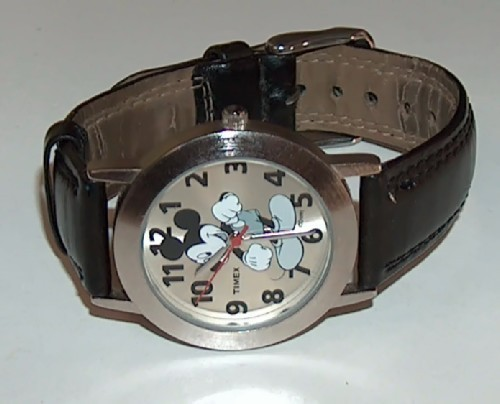Mickey_watch_black_leather_band3