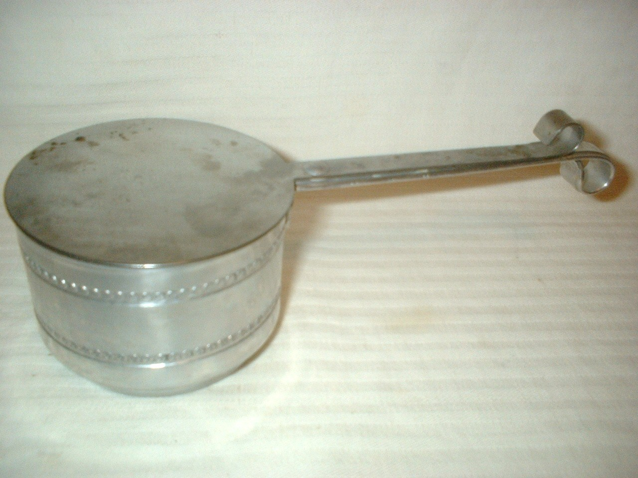 Vintage Sterno Holder Aluminum Buffet Dish Warmer & Can of Sterno Fuel