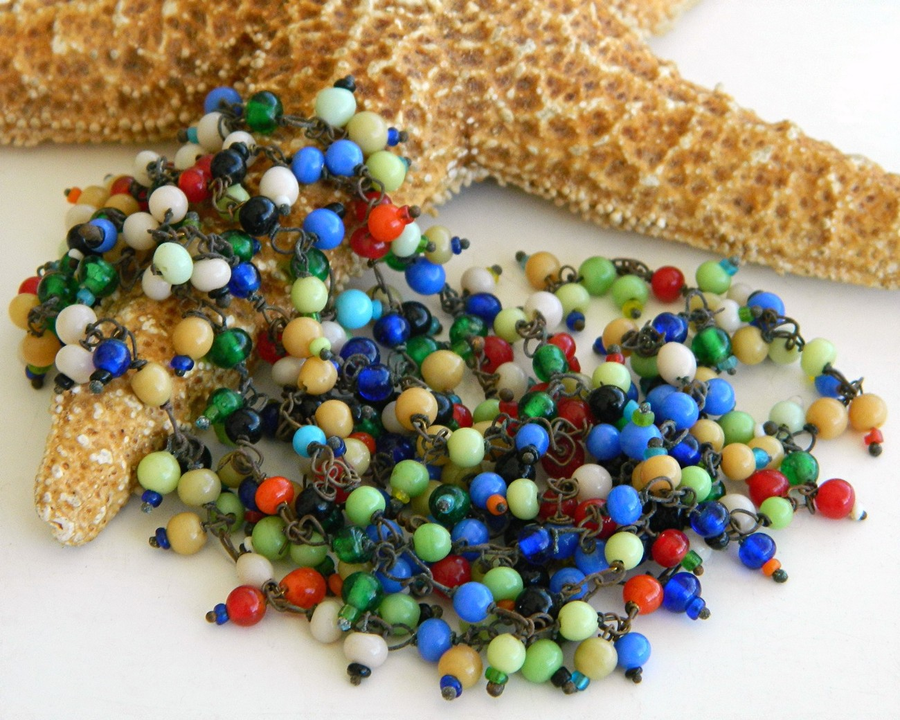 Vintage_glass_beads_wired_tiny_multicolor_necklace