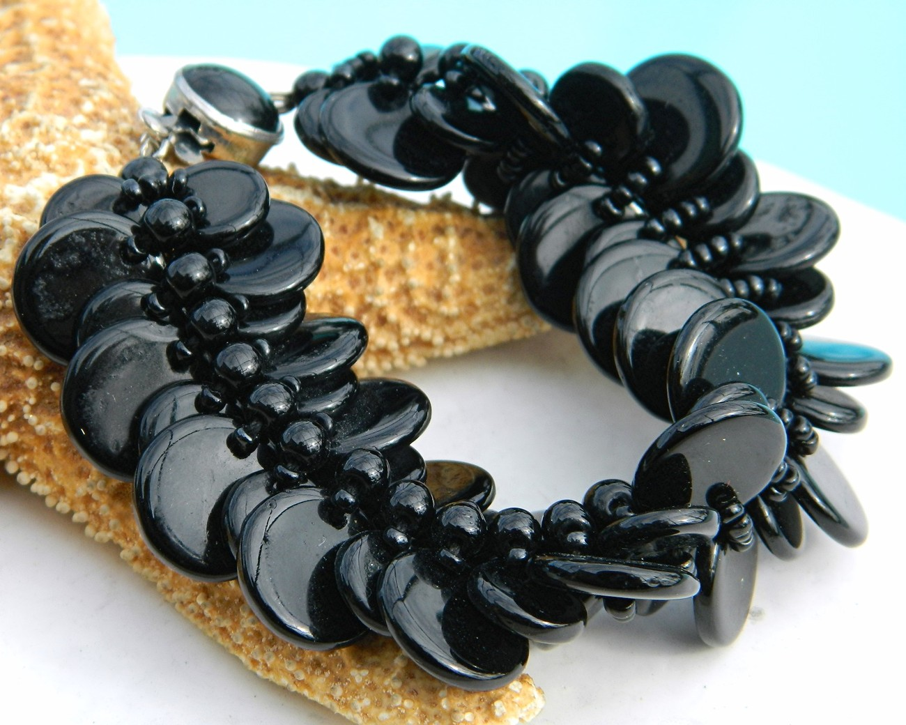 Vintage_glass_bracelet_black_discs_disks_western_germany