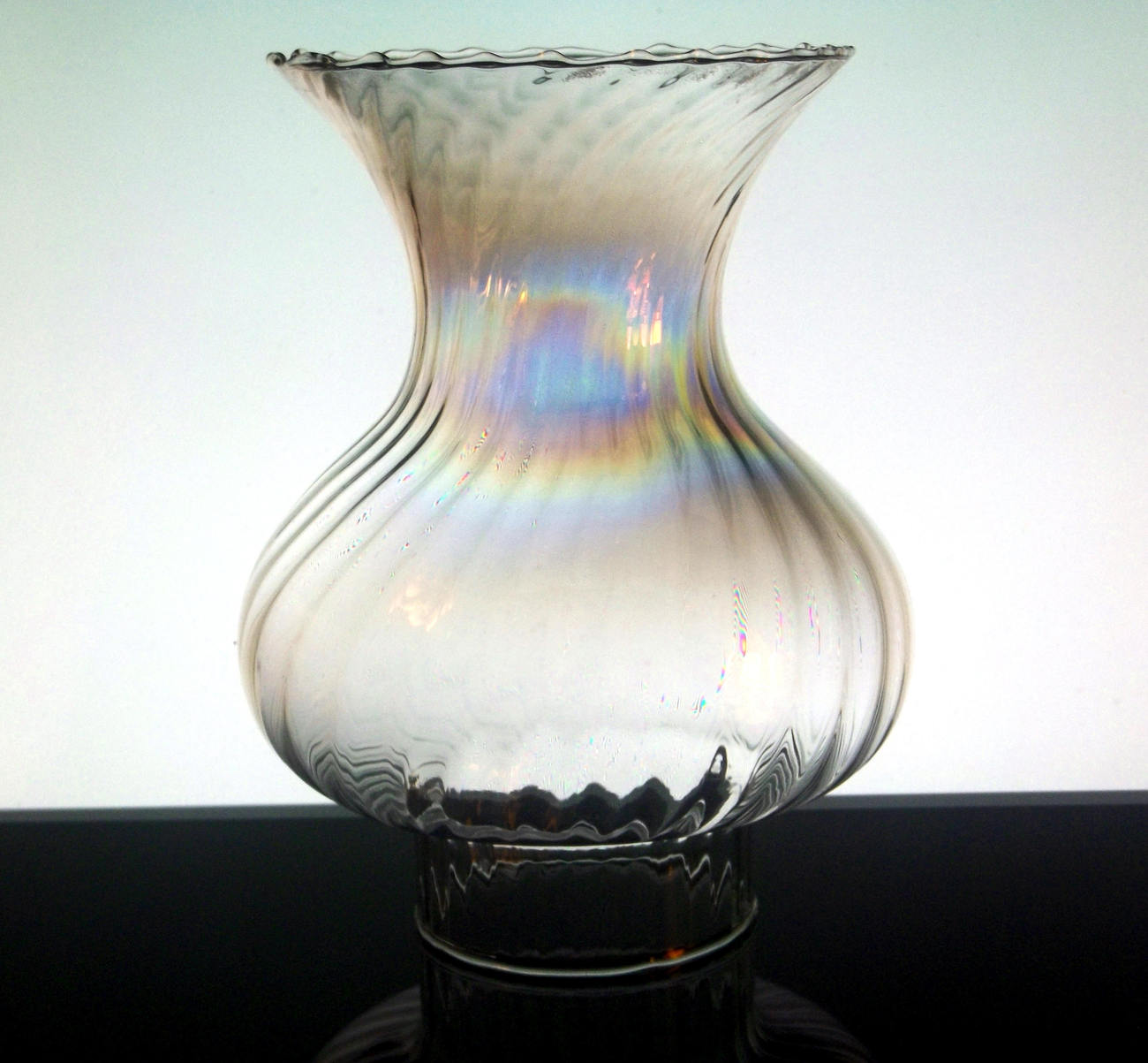 Hurricane_lamp_shade_irridescent_wide_flare_7_58_inch_x_3_inch_f_002