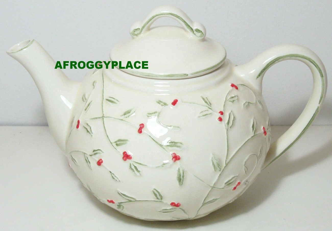 "Beautiful Holly Berry 32oz 4 Cup ""Betty"" Style Teapot NEW Ceramic RETIRED"